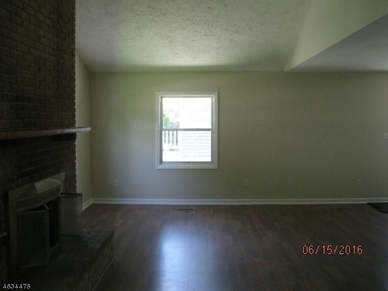 Additional photo for property listing at 62 Elizabeth Way  Landing, 新泽西州 07850 美国