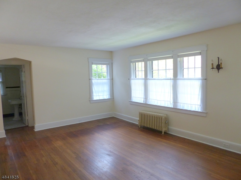Additional photo for property listing at 26 Belgrade Ter  West Orange, New Jersey 07052 United States