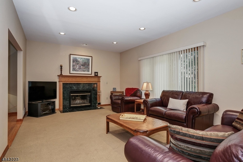 Additional photo for property listing at 1 Lenape Trail  Warren, New Jersey 07059 États-Unis