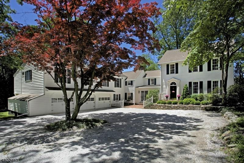 独户住宅 为 销售 在 2 Fox Hill Road Oldwick, 08858 美国
