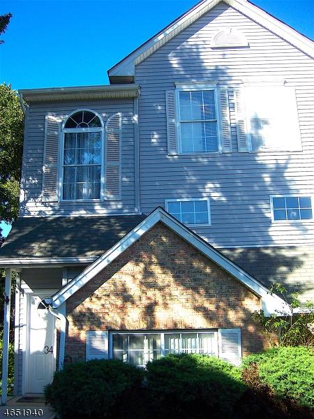 Частный односемейный дом для того Продажа на 34 Victory Court Dover, Нью-Джерси 07801 Соединенные Штаты
