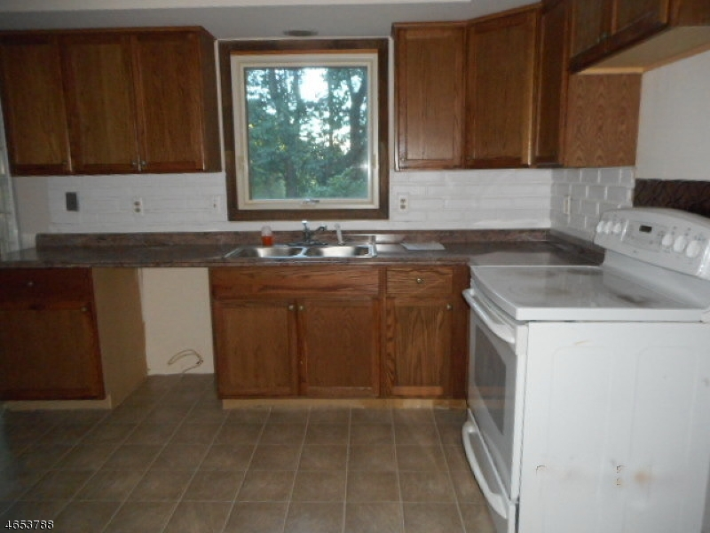 Additional photo for property listing at 9 Buttonwood Drive  Long Valley, Нью-Джерси 07853 Соединенные Штаты