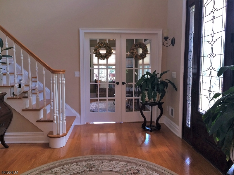 Additional photo for property listing at 25 Woodland Road  Clark, Nueva Jersey 07066 Estados Unidos