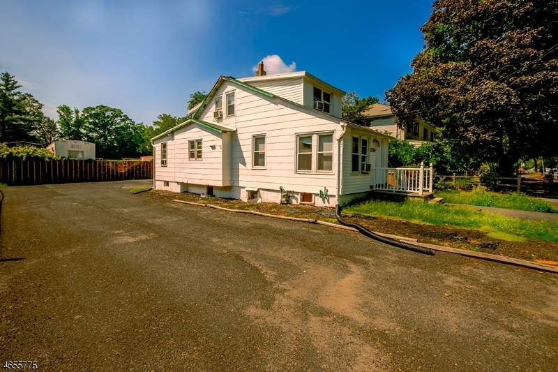 Additional photo for property listing at 2534 Plainfield Avenue  Scotch Plains, 新泽西州 07076 美国