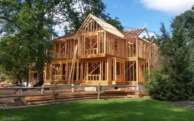 Частный односемейный дом для того Продажа на 41 Brook Road New Providence, 07974 Соединенные Штаты