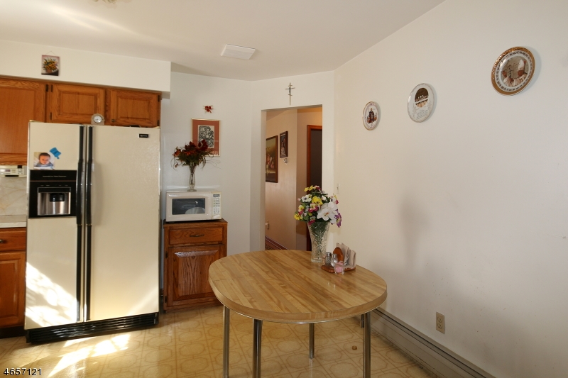 Additional photo for property listing at 39 3RD Avenue  Garwood, 新泽西州 07027 美国