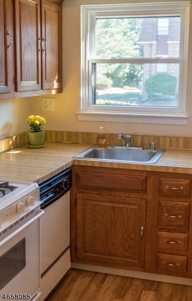 Additional photo for property listing at 701 Nottingham Way  Flemington, New Jersey 08822 États-Unis