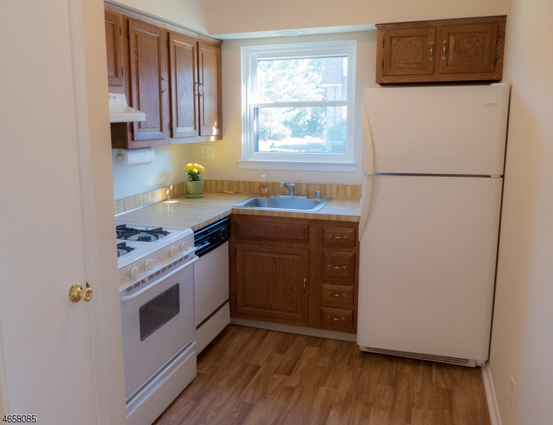Additional photo for property listing at 701 Nottingham Way  夫雷明顿, 新泽西州 08822 美国