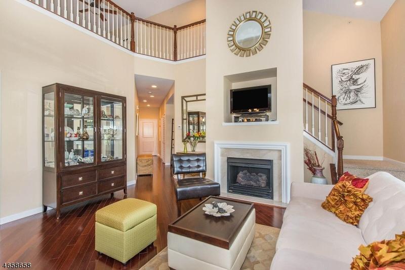 Частный односемейный дом для того Продажа на 7302 Ravenscroft Road Clifton, Нью-Джерси 07013 Соединенные Штаты