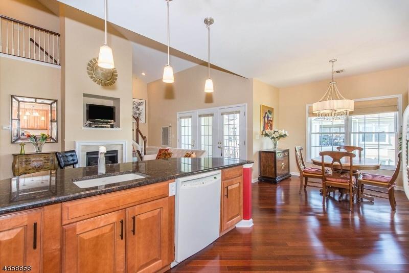 Additional photo for property listing at 7302 Ravenscroft Road  Clifton, Нью-Джерси 07013 Соединенные Штаты