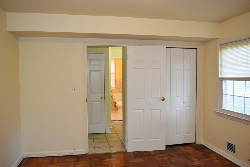 Additional photo for property listing at 8 Stanford Drive  Bridgewater, New Jersey 08807 États-Unis
