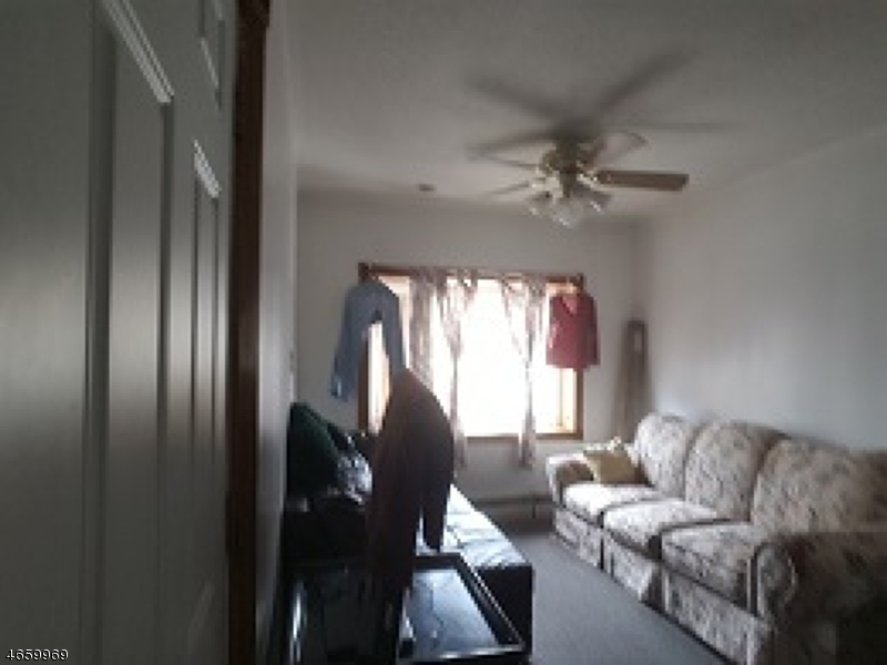 Additional photo for property listing at 4315-17 NEWKIRK Avenue  North Bergen, New Jersey 07047 États-Unis