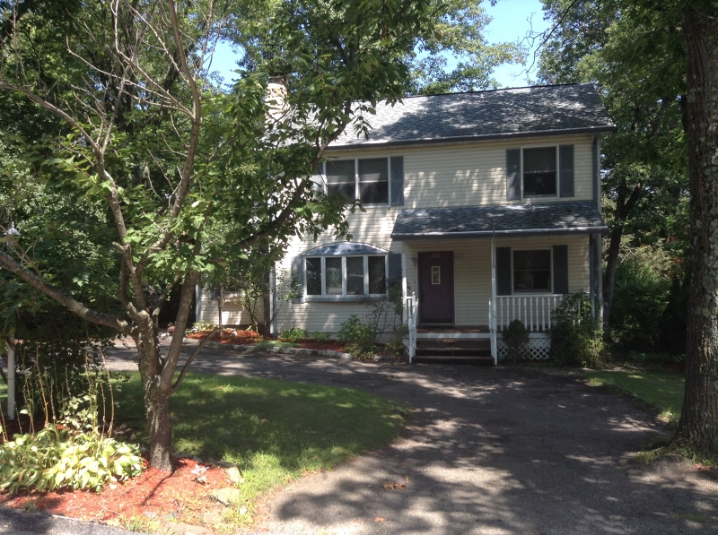 Single Family Home for Rent at 303 Park Place Highland Lakes, New Jersey 07422 United States