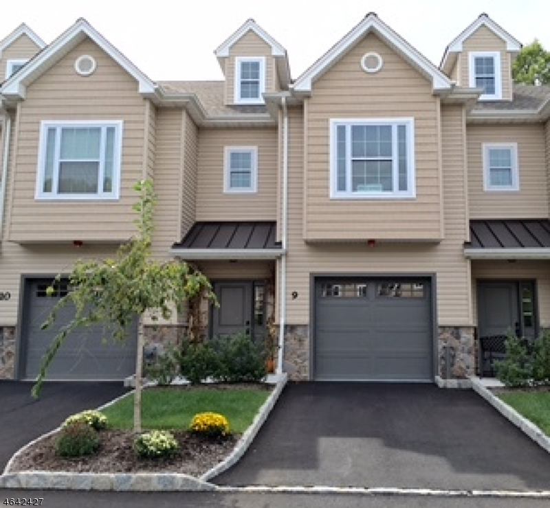 Single Family Home for Sale at 1 North Ridge Circle East Hanover, 07936 United States