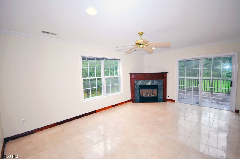Additional photo for property listing at 31 Cooper Lane  Millington, Nueva Jersey 07946 Estados Unidos