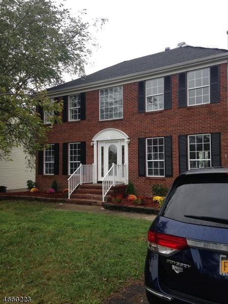 Частный односемейный дом для того Продажа на 8 Placeayer Place Flanders, 07836 Соединенные Штаты