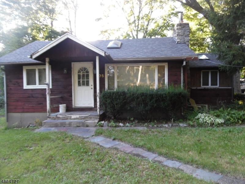 Casa Unifamiliar por un Venta en 205 Manaticut Road Highland Lakes, Nueva Jersey 07422 Estados Unidos