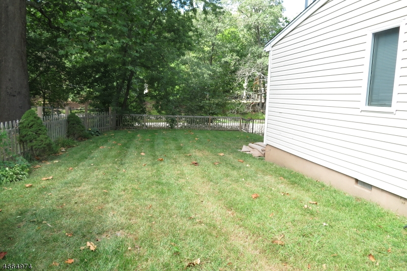 Additional photo for property listing at 51 River Road  Oakland, New Jersey 07436 United States