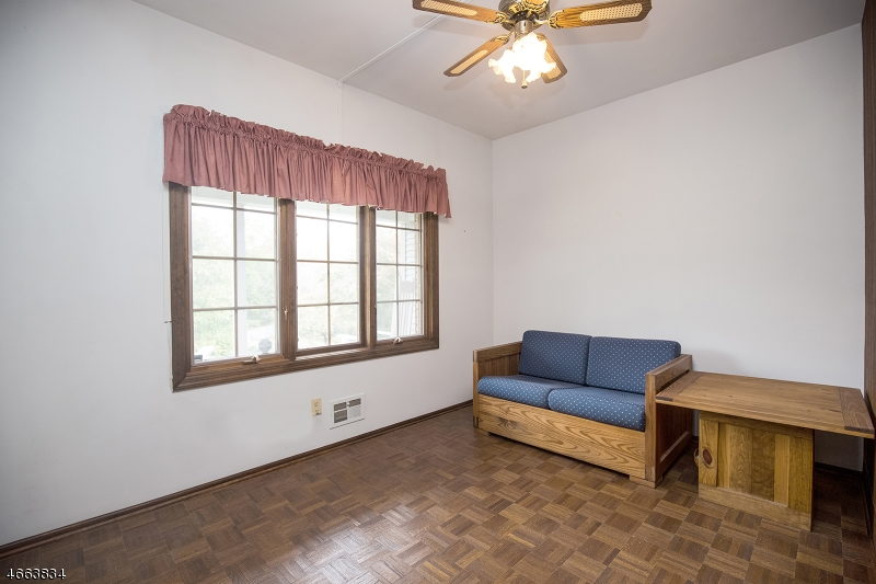 Additional photo for property listing at 12 Horseshoe Road  怀特豪斯站, 新泽西州 08889 美国