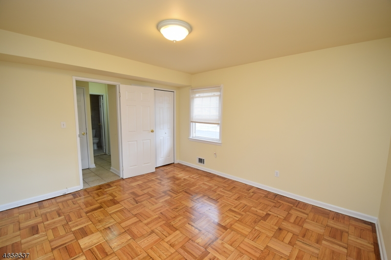Additional photo for property listing at 8 Stanford Drive  Bridgewater, New Jersey 08807 United States