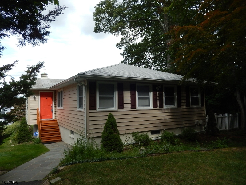 Maison unifamiliale pour l à louer à 19 King Road Landing, New Jersey 07850 États-Unis