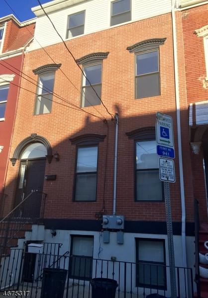 独户住宅 为 出租 在 112 Bruen Street 纽瓦克市, 新泽西州 07105 美国