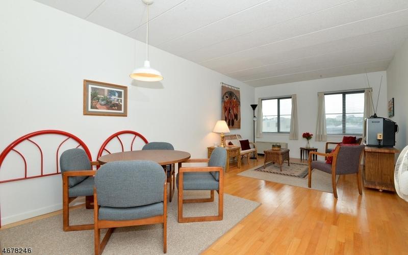 Частный односемейный дом для того Продажа на 463 1st Street Hoboken, Нью-Джерси 07030 Соединенные Штаты