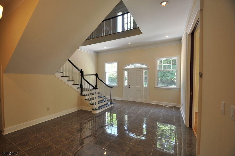 Additional photo for property listing at 1 Harmony Ter  Phillipsburg, New Jersey 08865 États-Unis
