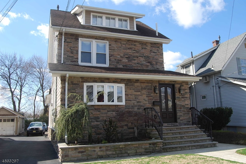 Single Family Home for Rent at 208 Valley Brook Avenue Lyndhurst, New Jersey 07071 United States