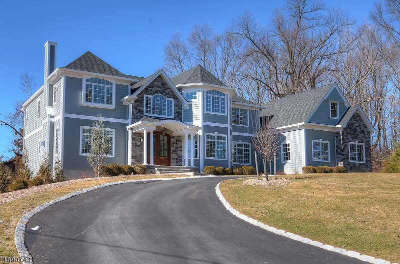 Maison unifamiliale pour l Vente à 9 Devonshire Road Livingston, New Jersey 07039 États-Unis
