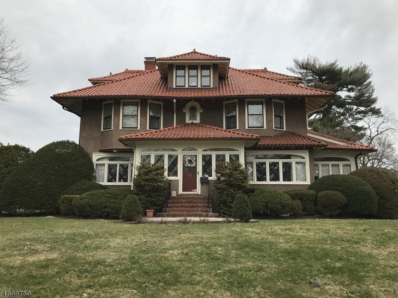 Частный односемейный дом для того Продажа на 54 Brookfield Avenue Nutley, 07110 Соединенные Штаты