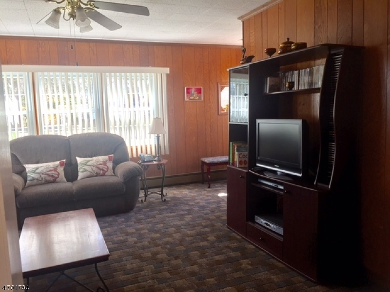 Additional photo for property listing at 1059 Mayfair Road  Union, Nueva Jersey 07083 Estados Unidos