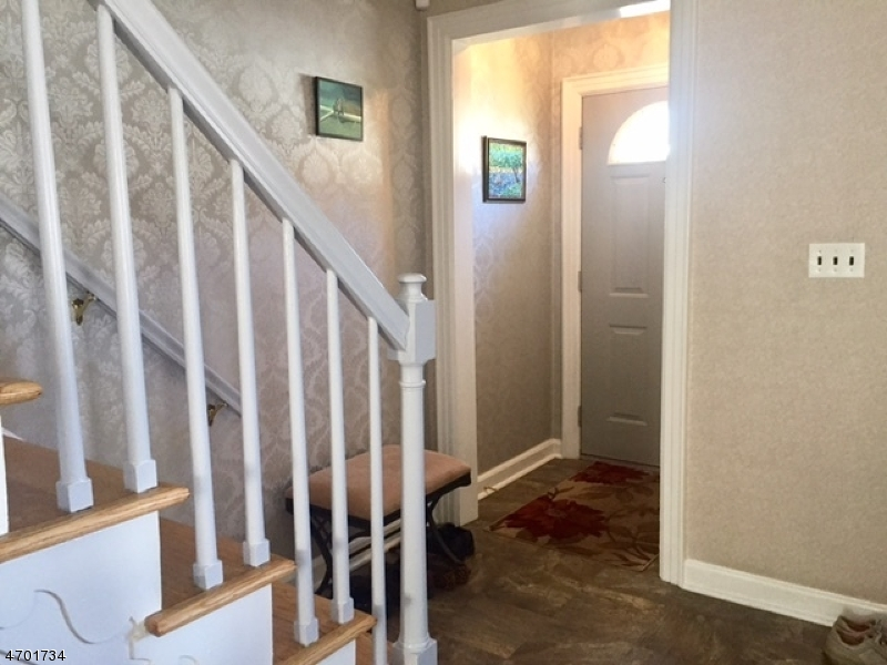 Additional photo for property listing at 1059 Mayfair Road  Union, New Jersey 07083 United States