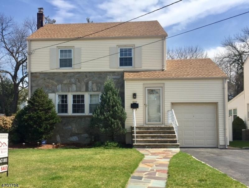 Casa Unifamiliar por un Venta en 1059 Mayfair Road Union, Nueva Jersey 07083 Estados Unidos
