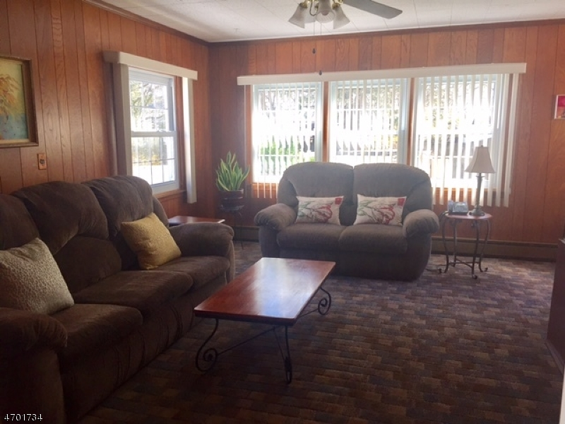 Additional photo for property listing at 1059 Mayfair Road  Union, New Jersey 07083 États-Unis
