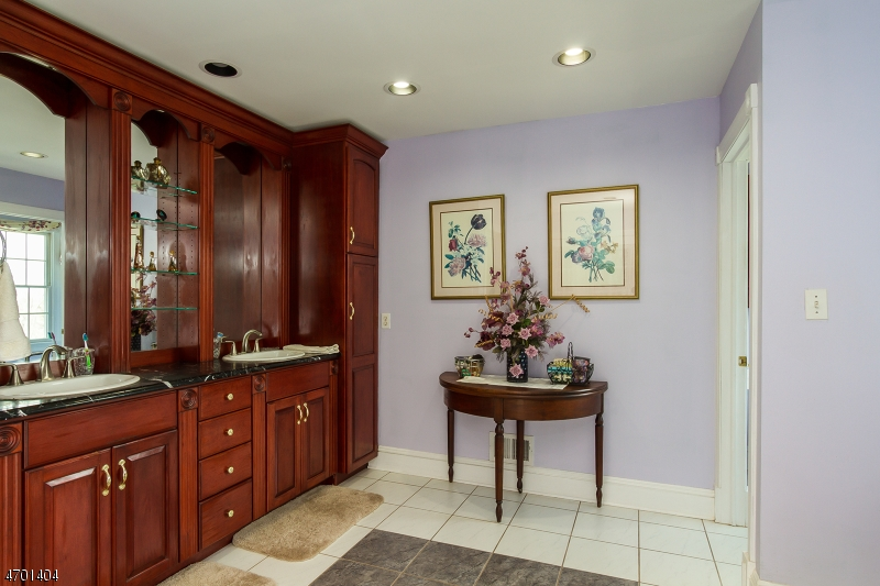 Additional photo for property listing at 121 Upper Kingtown Road  Franklin, Нью-Джерси 08867 Соединенные Штаты