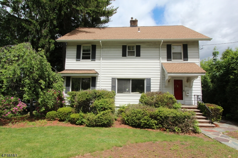 独户住宅 为 销售 在 24 Sunset Avenue 维罗纳, 新泽西州 07044 美国