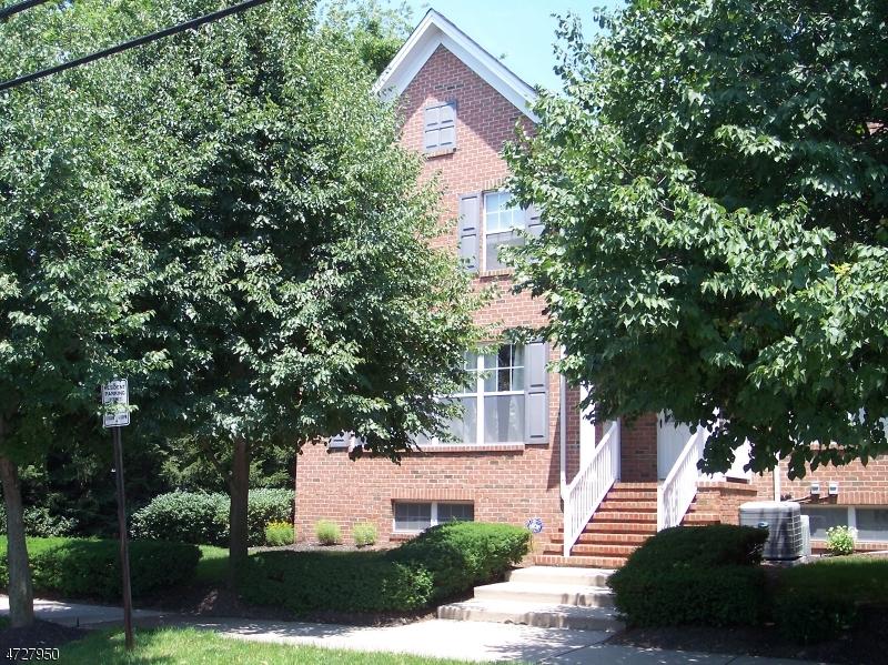 一戸建て のために 売買 アット 114 Central Avenue 114 Central Avenue Metuchen, ニュージャージー 08840 アメリカ合衆国