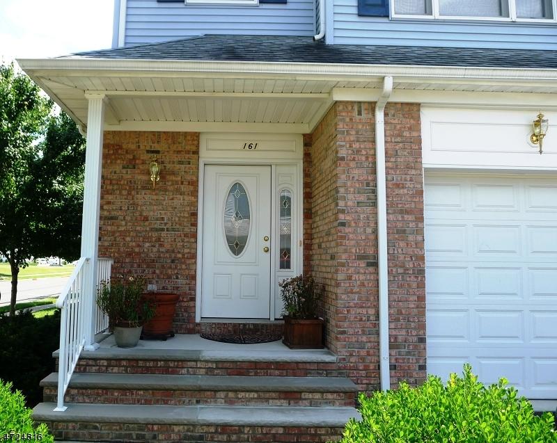 独户住宅 为 出租 在 161 N 13th Avenue 曼维, 新泽西州 08835 美国