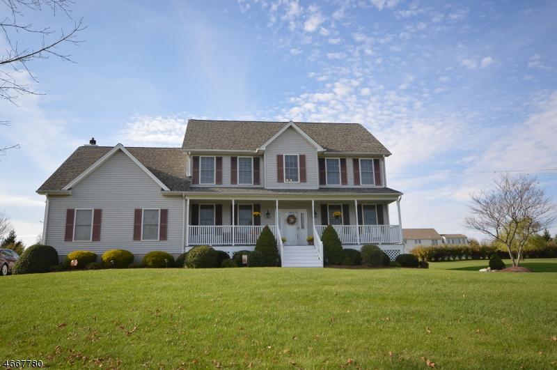 Einfamilienhaus für Verkauf beim 5 Southdown Drive 5 Southdown Drive Andover Township, New Jersey 07848 Vereinigte Staaten