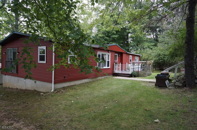 Additional photo for property listing at 19 Mark Drive  High Bridge, New Jersey 08829 États-Unis
