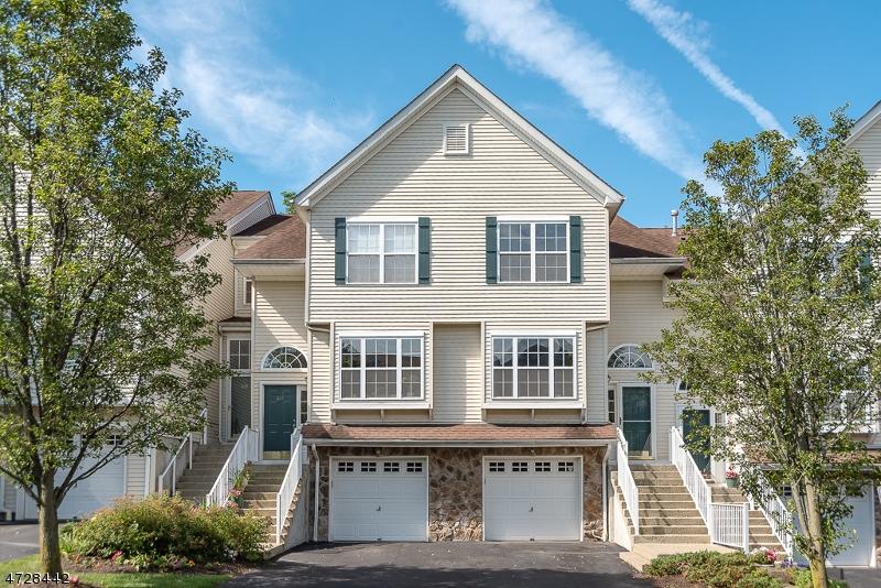 Частный односемейный дом для того Аренда на 611 Wendover Court Randolph, Нью-Джерси 07869 Соединенные Штаты