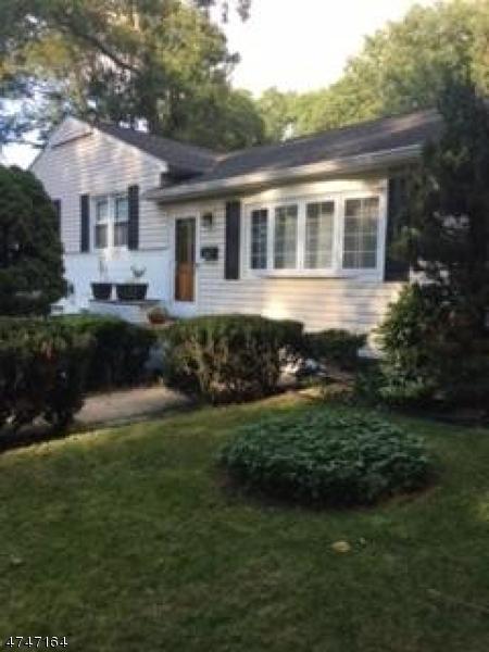 Частный односемейный дом для того Аренда на 548 Snyder Avenue Berkeley Heights, Нью-Джерси 07922 Соединенные Штаты