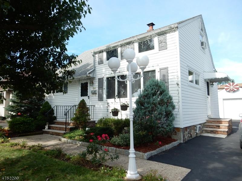Maison unifamiliale pour l à louer à 84 Ivy Street Clark, New Jersey 07066 États-Unis