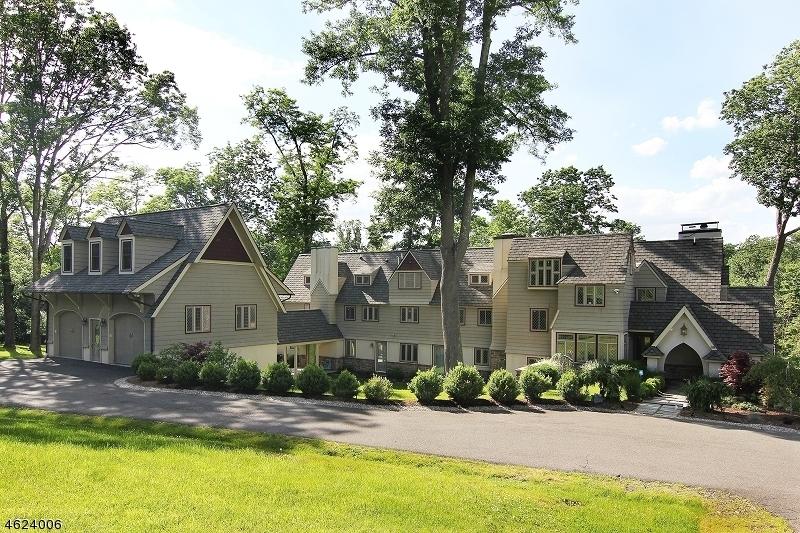 Частный односемейный дом для того Продажа на 88 W Main Street Mendham, Нью-Джерси 07945 Соединенные Штаты