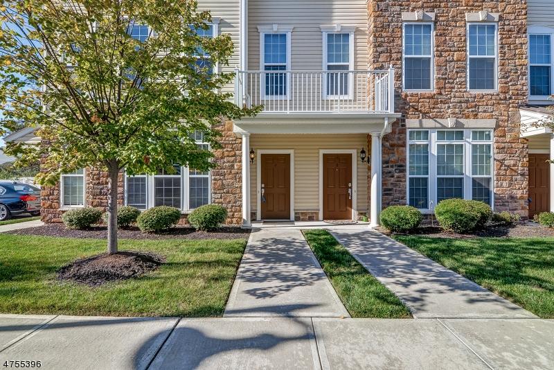 Частный односемейный дом для того Продажа на 2 Holly Lane Garfield, Нью-Джерси 07026 Соединенные Штаты