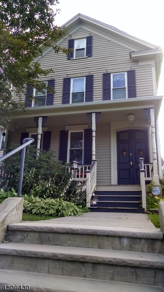 Maison unifamiliale pour l Vente à 135 WALL Street Belvidere, New Jersey 07823 États-Unis