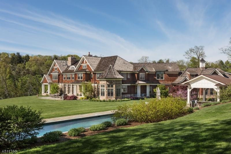 Single Family Homes для того Продажа на Peapack Gladstone, Нью-Джерси 07934 Соединенные Штаты