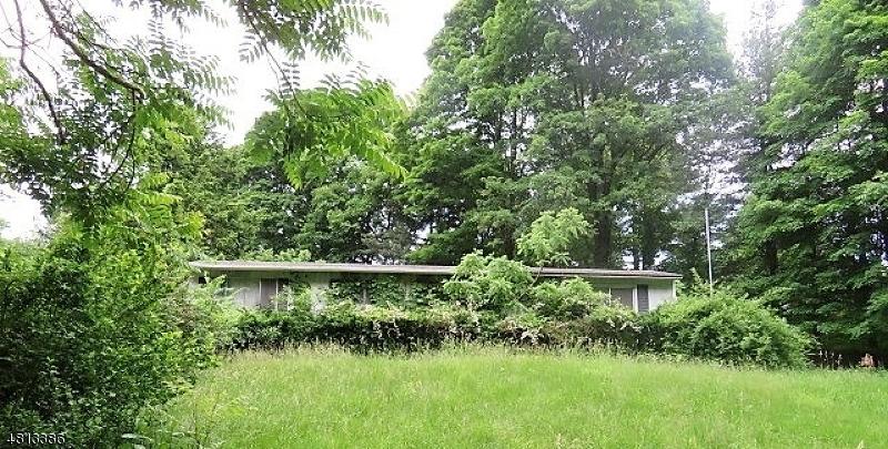 Частный односемейный дом для того Продажа на 6 W PINE TER Vernon, Нью-Джерси 07461 Соединенные Штаты