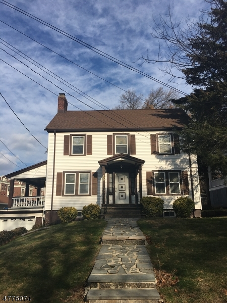 Maison unifamiliale pour l Vente à 459 HEYWOOD Avenue Orange, New Jersey 07050 États-Unis